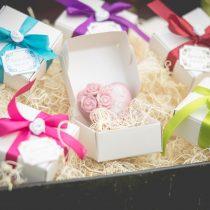 Rózsás szív szappan fehér gyöngyház fényű dobozban